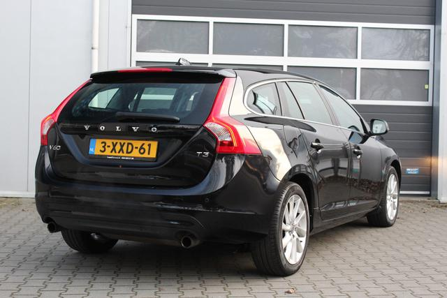 Volvo V60 1.6 T3 Momentum Automaat